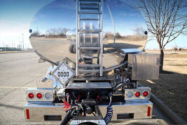 80K Transporter features Ergonomic Hook-ups | Westmor