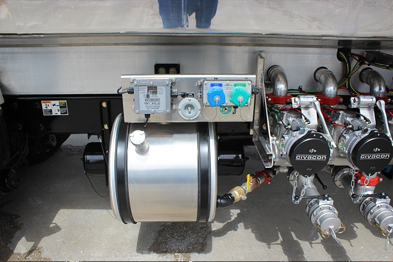 Flush tank option on refined fuel truck by Westmor