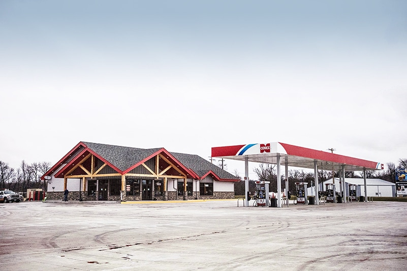 c-store Farmers Union Oil Co in Montevideo MN by Westmor