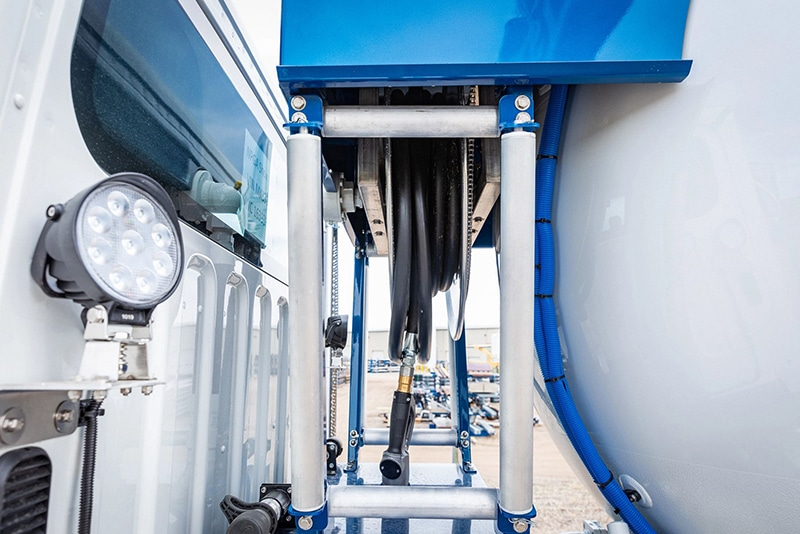 inverted hose reel on mid-delivery system by Westmor